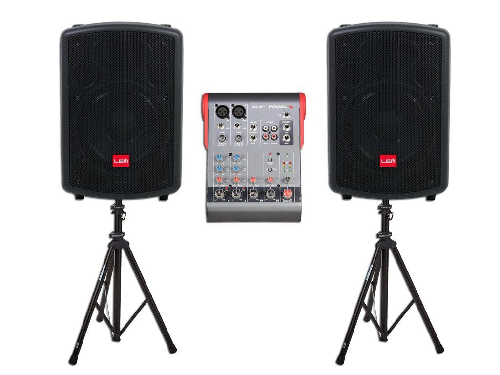 http://garsoaparaturosnuomavilniuje.lt/garso-koloneliu-komplektu-nuoma/garso-aparaturos-komplektas-1000w/